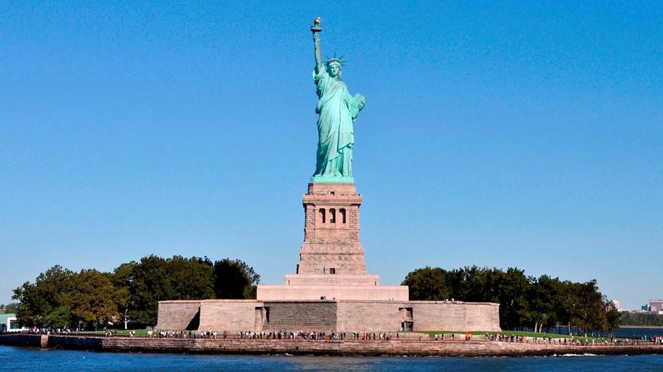 (USA) Visa, Return Flight Ticket, Hotel, Tour Sights